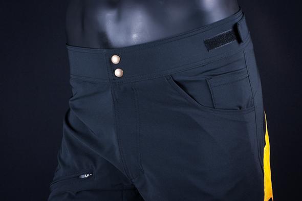 Pantalón DownHill detalle 2