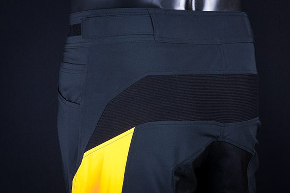 Pantalón DownHill detalle 3